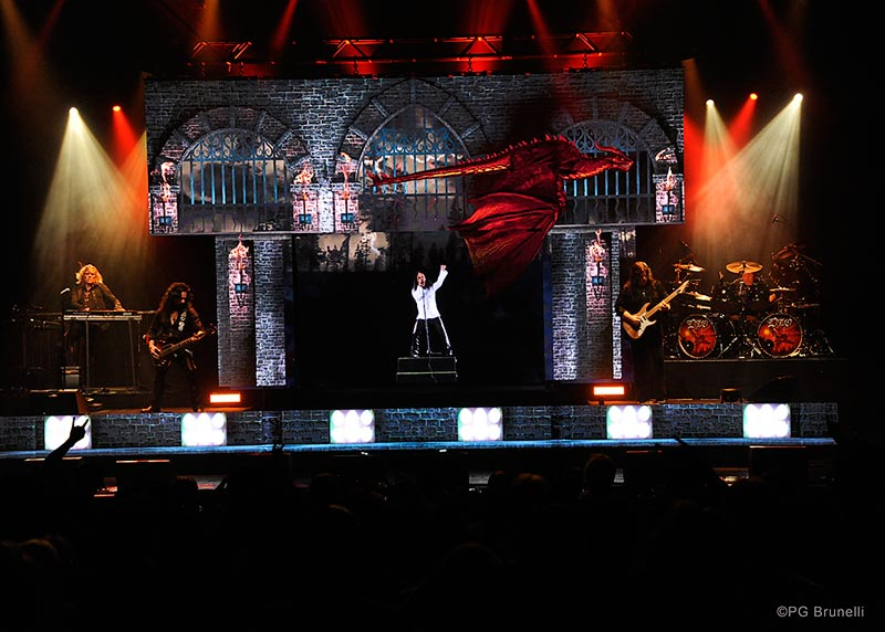 Dio returns Hologram Tour 2019